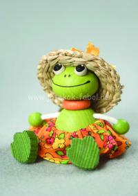 Mini béka lány kalapban, szoknyában